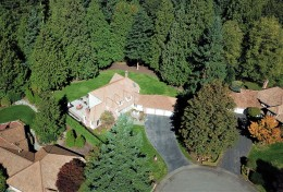 21416 NE 68th Ct, Redmond, WA 98053