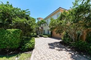 2325 Residence Cir 101, Naples, FL