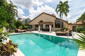 598 Bay Villas Ln 83, Naples, FL