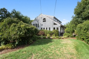 Great Home Located in West Rocks Area