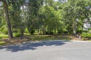 1204 Great Oaks Drive
