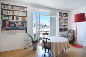 PARIS 4th District - a 3-bed apartment on high floor