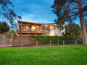 Large Family Home with Pool and Tennis Court - LEASE EXTENDED