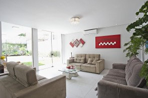 Beautiful newly recently renovated townhouse in Chácara Flora