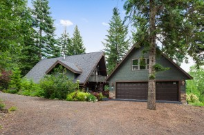 Amazing Lakeview Log Cabin