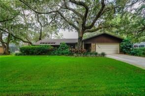 1040 Sherwood Forest Dr, Sarasota, FL 34232